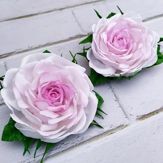 Розы на заколках