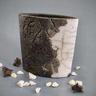 """Большая черно - белая керамическая ваза """"Raku"""" ,16 см высота,арт.№50"""