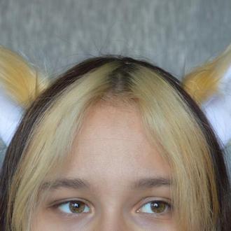 Бежевые ушки меховые для лисички или белочки.