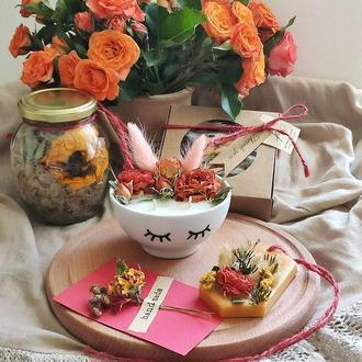 Набор для SPA дома. Соевая аромасвеча с цветами, натуральная морская соль, лепестки для ванной