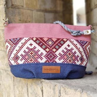 19103 Маленькая розовая сумка с орнаментом