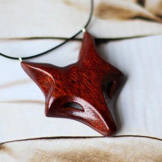 Кулон волк из красного и эбенового дерева.Подвеска из экзотического дерева.Подарок парню