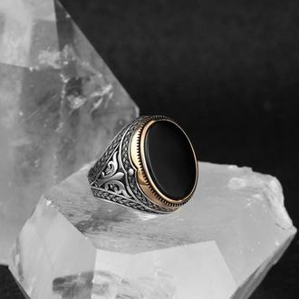 Утонченный, детальный перстень из серебра 925 пробы  с позолоченной шинкой