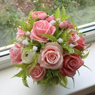 Ароматный букет нежных роз