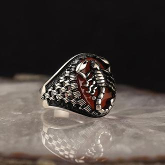 Перстень Скорпион с красным агатом из серебра 925 пробы ручной работы с гравировкой