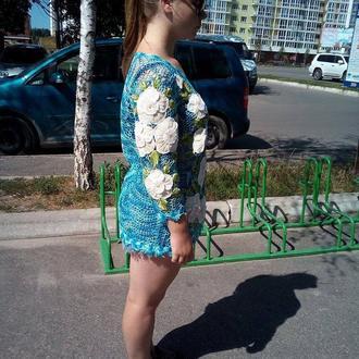 Туника связана крючком / туника с цветами