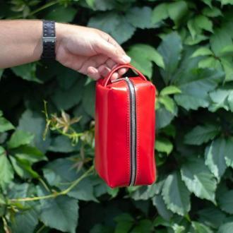 Шкіряна сумочка червона жіноча. Велика косметичка пенал зі шкіри. Несесер для подорожей