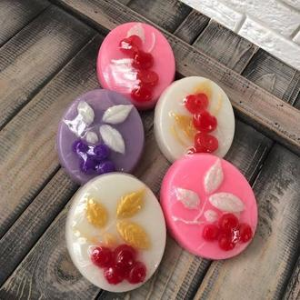 Сувенирное натуральное  подарочное мыло Ягодка.