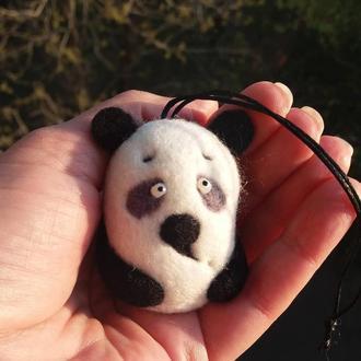 Панда брелок из шерсти валяный