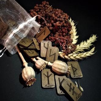 """Рунический комплект """"Славянские руны"""""""