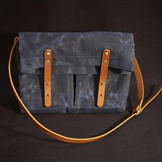 Сумка-мессенджер через плечо с кожаным ремнем