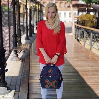 18010 Джинсовый рюкзак Красные цветы