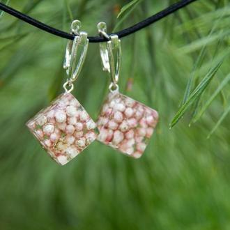 Сережки с цветами (розовые сережки, цветы в смоле)