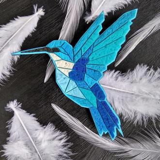 Геометрична бірюзова брошка Колібрі. Авторская брошь птица Колибри. Украшение Птичка