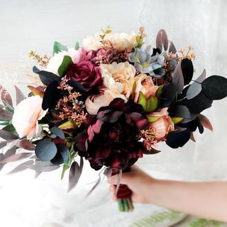 Букет нареченої з штучними квітами преміум класу  в бордово-персиковому кольорі.