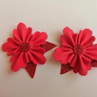 Заколка для волос, красный цветок.