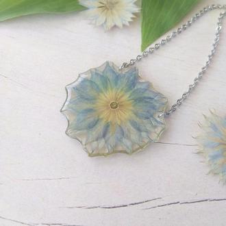 Голубой кулон с настоящим высушенным цветком нигеллы (идея подарка девушке жене сестре маме подруге)