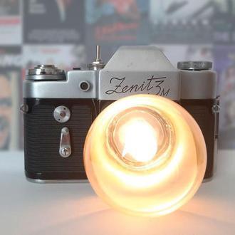 Настольная лампа из винтажного фотоаппарата ZENIT 3M