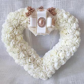 Свадебная подушечка для обручальных колец сердце из роз айвори LA BEAUTY Studio Эксклюзив
