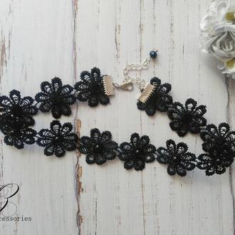 Кружевное черное колье чокер цветы с бусинками