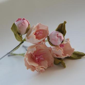 Шпильки с цветами. Заколка с цветами. Розовые цветы в прическу.