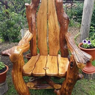 Кресло из натурального дерева. Ветви дуба