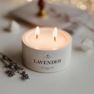 Ароматическая соевая свеча в бетонном подсвечнике «Lavander»