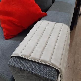 """Кожаный подставка  коврик-накладка на подлокотник дивана """"светло серый"""""""