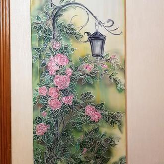 """Батик, картина """"Роза возле фонаря""""."""