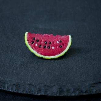 Брошь арбуз, яркая летняя брошь из полимерной глины, ягодная брошка долька арбуза