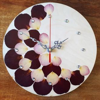 Настенные часы с натуральными лепестками роз Ø25