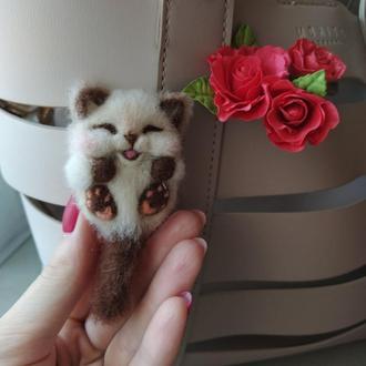 Брошь из шерсти котёнок, валяная брошь кот кошка, войлочная брошка