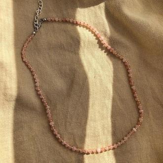 Чокер из натурального камня розовый кварц, нить из натуральных камней, чокер із кварцу