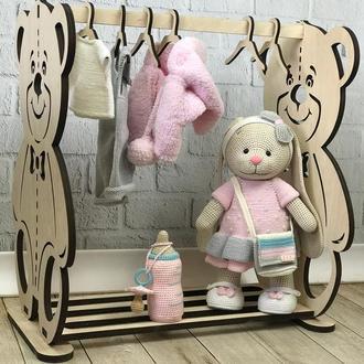 Детская вязаная игрушка «Зайка» с дополнительным набором одежды