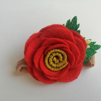 Повязка на голову червона роза