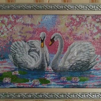 """Картина вышитая чешским бисером """"Два лебедя"""""""