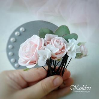 Шпильки для прически с розами и гортензией