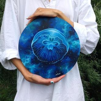 Картина круглая. Медуза и космос. Холст на картоне.