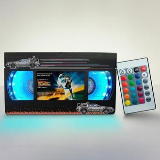 Нічний світильник виготовлений з оригінальної відеокасети VHS