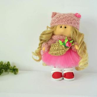 Кукла Тильда блондинка с цветочной корзинкой