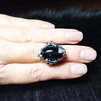 Кольцо с черным агатом 17р.