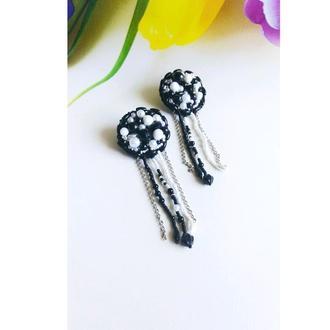 Черно-белые красивые серьги Длинные эффектные серьги из бисера на подарок