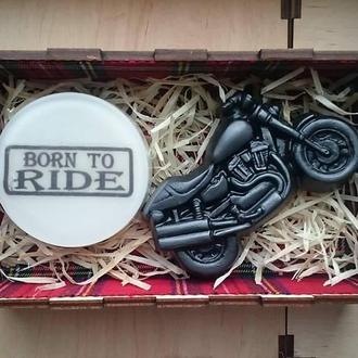 Ароматное мыло в деревянной коробке (Born to ride и байк чоппер)