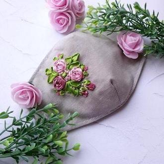 Маска многоразовая женская с вышивкой  Маска с розами