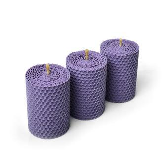 Набор из трех свечей (8,5*6 см) лавандового цвета, в подарочной упаковке