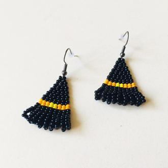 Бисерные серьги Шляпа ведьмы с оранжевой лентой, черные серьги из бисера на Хеллоуин