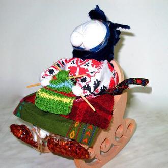 Лоскутная кукла бабка характерная