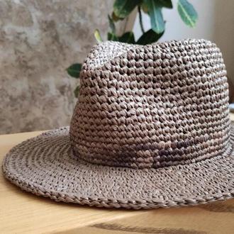Шляпа-федора из рафии