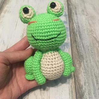 Лягушка, жабеня, вязанная лягушка