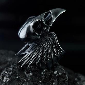 Готическое черненое серебряное кольцо череп ворона